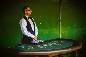 stol-do-zabawy-w-pokera